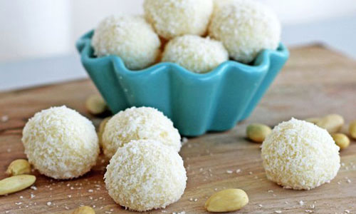 Idea for homemade Raffaello pralines