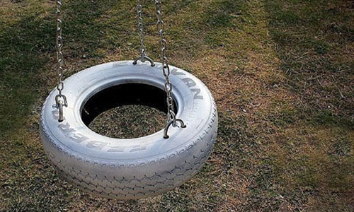 DIY swing from а car tire