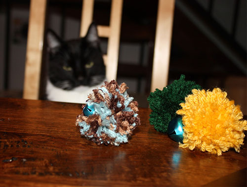 diy cheap toys for the cat